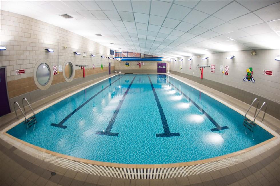 20 metre swimming pool castle view academy for Alderwood pool public swim times