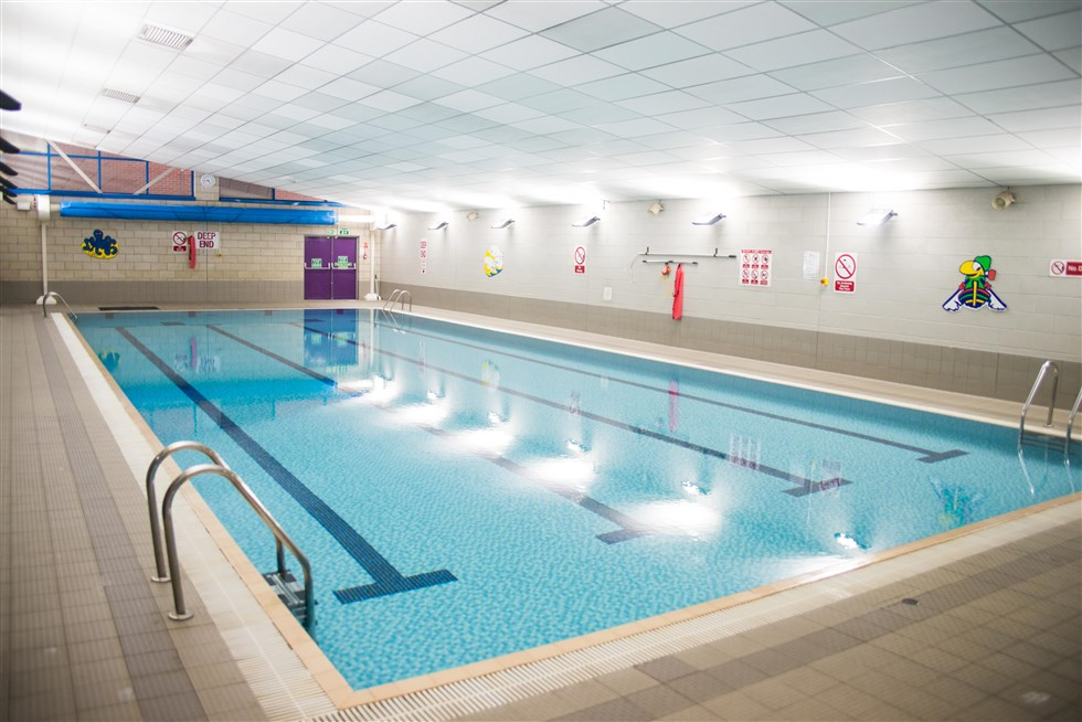 20 metre swimming pool castle view academy for How many meters is a swimming pool
