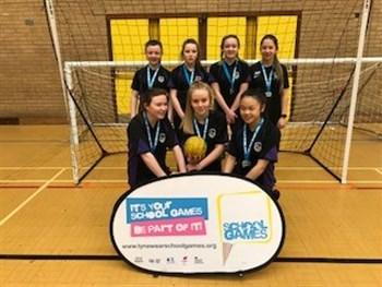 Girl's Handball get Silver!